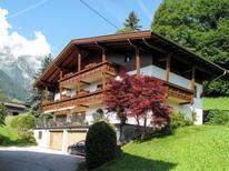 Ferienwohnung 1376234 für 5 Personen in Finkenberg