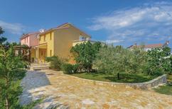 Rekreační dům 1376425 pro 4 osoby v Ližnjan