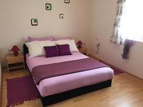 Appartamento 1377436 per 6 persone in Pirovac