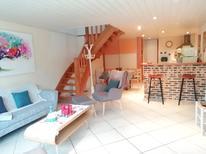 Ferienhaus 1377487 für 5 Personen in Le Cloître-Saint-Thégonnec