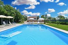 Ferienwohnung 1377560 für 8 Personen in Modrusani