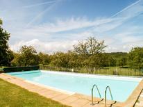 Vakantiehuis 1377934 voor 32 personen in Saint-Georges-de-Montclard