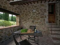 Ferienwohnung 1377947 für 4 Personen in Calcione