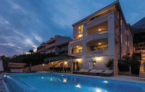 Gemütliches Ferienhaus : Region Makarska für 14 Personen