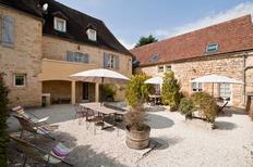 Vakantiehuis 1380714 voor 9 personen in Sainte-Mondane