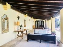 Ferienhaus 1381217 für 4 Erwachsene + 2 Kinder in San Pietro Vernotico