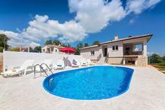 Vakantiehuis 1382440 voor 4 volwassenen + 2 kinderen in Sveti Bartul