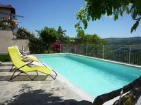 Ferienwohnung 1382474 für 4 Personen in Serralunga d'Alba