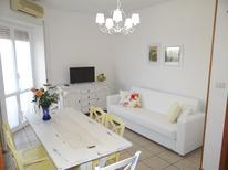 Appartamento 1382598 per 5 persone in Villa Rosa