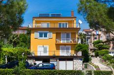 Ferienwohnung 1383405 für 8 Personen in Crikvenica