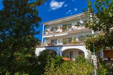 Ferienwohnung 1383628 für 7 Personen in Crikvenica