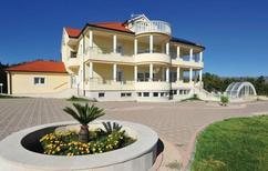 Semesterhus 1383724 för 16 personer i Hrvace