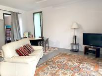 Ferienhaus 1384720 für 4 Personen in Sant Pere de Ribes