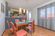 Ferienwohnung 1385133 für 4 Personen in Omiš