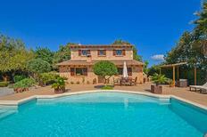 Casa de vacaciones 1385521 para 6 adultos + 2 niños en Alcúdia