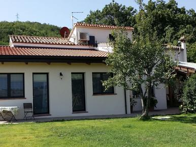 Für 4 Personen: Hübsches Apartment / Ferienwohnung in der Region Adria
