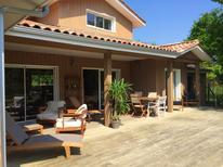 Villa 1387954 per 12 persone in Hourtin