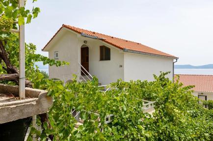 Für 5 Personen: Hübsches Apartment / Ferienwohnung in der Region Makarska Riviera