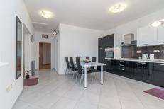Appartement 1389350 voor 5 personen in Okrug Gornji