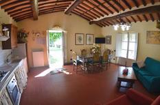 Ferienwohnung 1391064 für 6 Personen in Petrognano