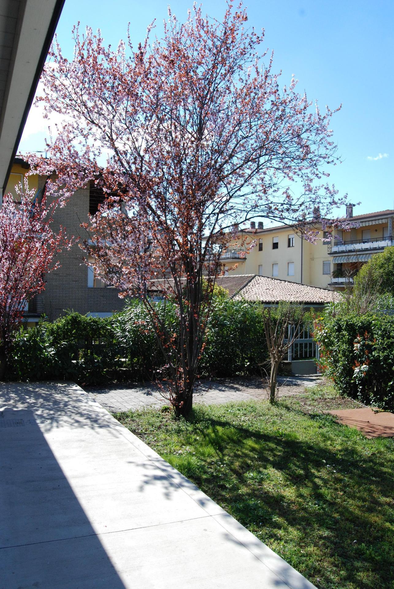 Ferienwohnung für 4 Personen ca. 45 m² i   Desenzano del Garda
