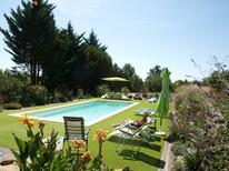 Vakantiehuis 1391681 voor 14 personen in Peyzac-le-Moustier
