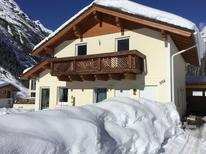 Villa 1392641 per 10 persone in Sankt Leonhard im Pitztal