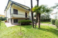 Ferienhaus 1392665 für 8 Personen in Desenzano del Garda