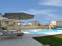 Ferienhaus 1392787 für 8 Personen in Garrigues-Sainte-Eulalie