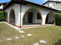 Ferienwohnung 1392875 für 6 Personen in Lido delle Nazioni
