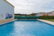 Appartement 1393004 voor 8 personen in Olhos de Água