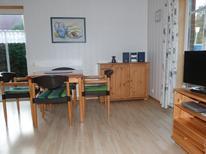 Ferienwohnung 1393170 für 4 Personen in Neugarmssiel