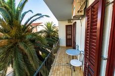 Holiday apartment 1393644 for 3 persons in Makarska
