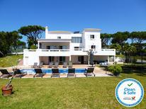 Casa de vacaciones 1394634 para 14 personas en Quarteira