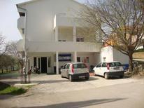 Ferienwohnung 1395103 für 7 Personen in Maslenica