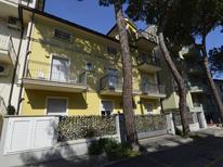 Ferienwohnung 1395241 für 6 Personen in Cattolica