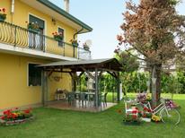 Ferienwohnung 1395285 für 6 Personen in Eraclea Mare