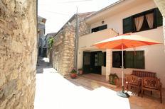 Villa 1395764 per 8 persone in Tisno