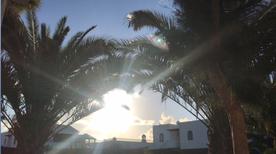 Ferienwohnung 1396487 für 2 Erwachsene + 2 Kinder in Costa Teguise