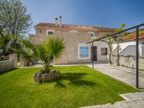 Casa de vacaciones 1396881 para 4 personas en Privlaka