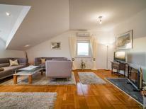 Appartement 1396884 voor 6 personen in Sukošan