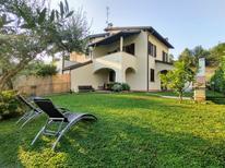 Ferienhaus 1397417 für 8 Personen in Mandello del Lario