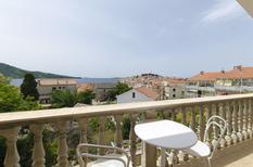 Appartamento 1397489 per 5 persone in Primošten