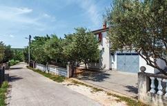 Ferienwohnung 1398081 für 5 Personen in Ribnica