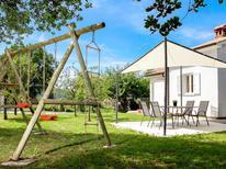 Casa de vacaciones 1398316 para 4 personas en Cerovlje