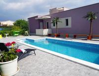 Villa 1402008 per 7 persone in Solin