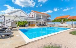 Maison de vacances 1404921 pour 10 personnes , Tinj