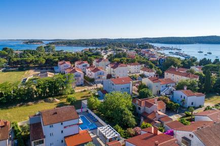 Gemütliches Ferienhaus : Region Istrien für 19 Personen