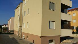 Appartement 1406002 voor 5 personen in Biograd