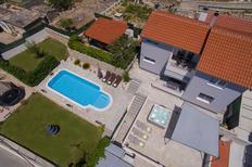 Vakantiehuis 1406165 voor 7 volwassenen + 1 kind in Split-Kucine